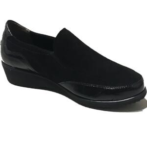 SCHOLL WOMEN'S COMFORTABLE STRAPS' MADINA BLACK SUEDE LEATHER