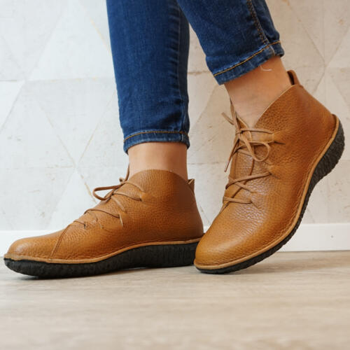 LOINTS OF HOLLAND LACE-UP SHOE IN ULTRA-SOFT EMBOSSED LEATHER CAMEL